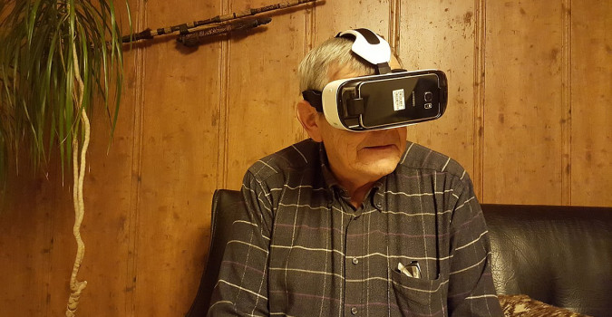 Old man trying VR